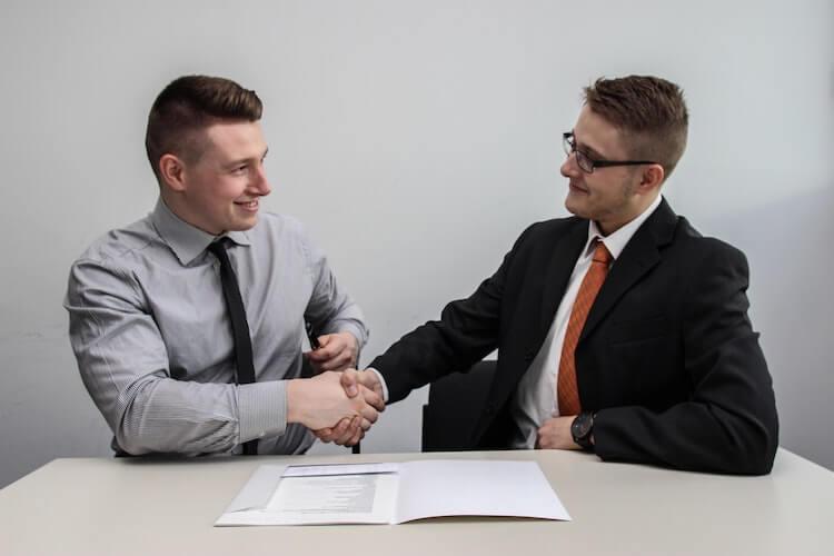 業務委託の契約をしてパーソナルトレーナーになろう