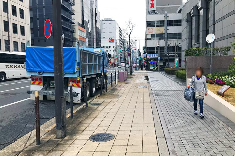 大阪 堺筋の道路の北方向